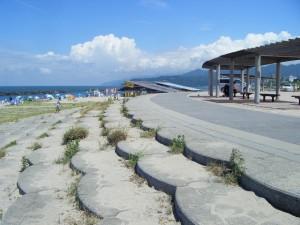瀬波海岸護岸遊歩道